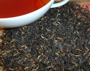 На фото байховый чай