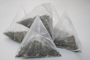 На фото чай в пакетиках