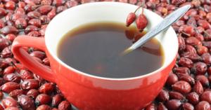 на фото чай из шиповника
