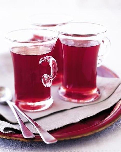 Клубнично-смородиновый чай с фенхелем