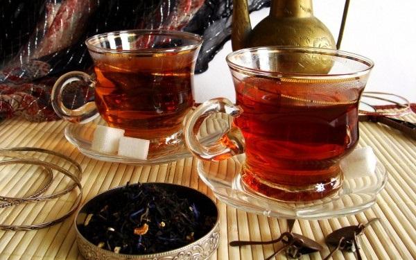 Черный чай домашнего приготовления