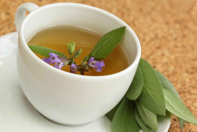 Приготовление чай из шалфея